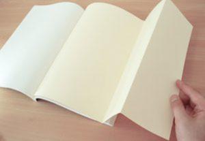 地図や年表を見やすくする「片袖折り」 ~オプション加工について知ろう(2)~