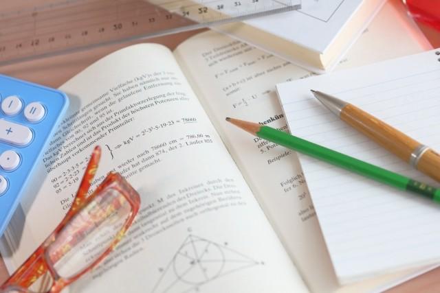 もっと安く簡単に!学習塾のテキスト、教材の印刷費はネット印刷で安くする