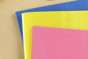 冊子印刷に最適な表紙用紙を価格で比較!